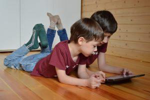 בקרת הורים איך להגן על הילדים מתכנים שליליים באינטרנט