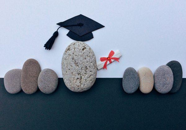 איך לעודד את הילדים להירשם ללימודים גבוהים?